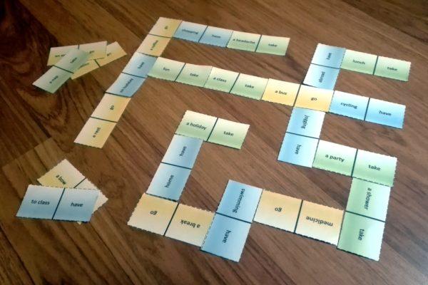 Verb-Noun Dominoes Game